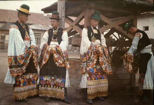 clothing in hungary